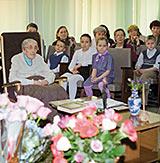 Н.Д. Спирина в Музее Н.К. Рериха. 4 мая 2003 г.