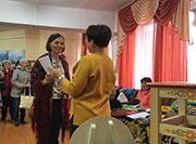 https://sibro.ru/upload/iblock/fae/Irina_c_diplomom+Sveta_180.jpg